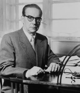 Ivo-Andrić-za-radnim-stolom